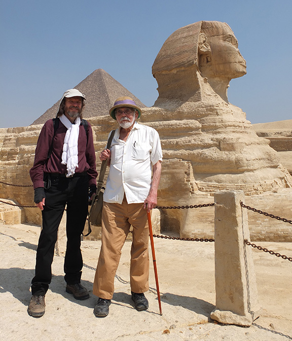 Image of Robert Schoch and John Anthony West by the Great Sphinx